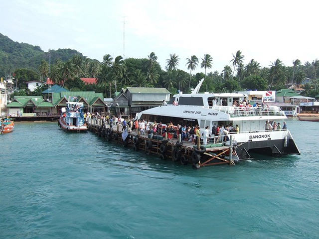 krabi to koh tao Krabi To Koh Tao by Bus and Ferry MaeHaad pier the main pier at Koh Tao 2