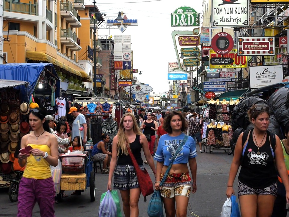 krabi to bangkok Krabi to Bangkok by A/C Bus The last destination in Bangkok is Khao Sarn Road you can continue to go anywhere easily