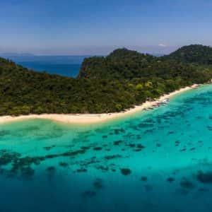 koh rok snorkeling, tour from koh lanta, koh rok island