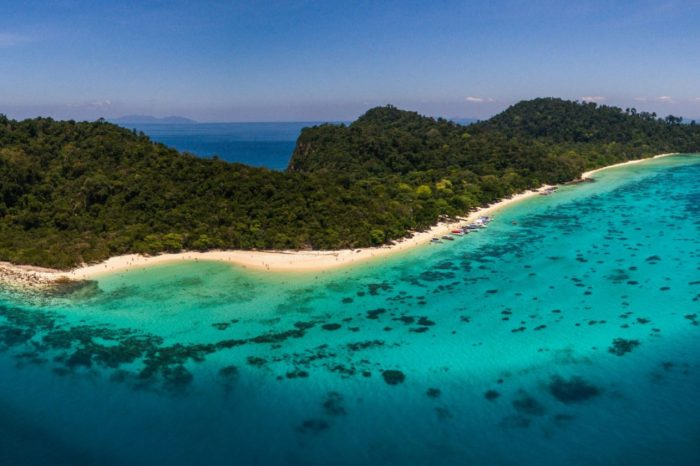 Koh Rok Snorkeling Tour from Koh Lanta by Speedboat