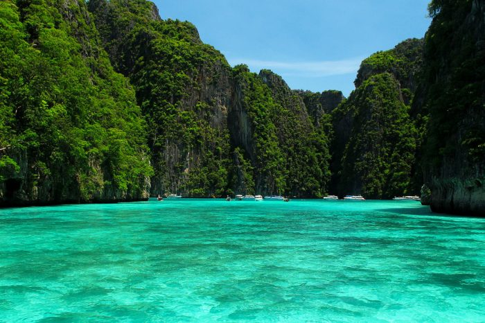 Early Bird Phi Phi Island Tour From Phi Phi by Speedboat