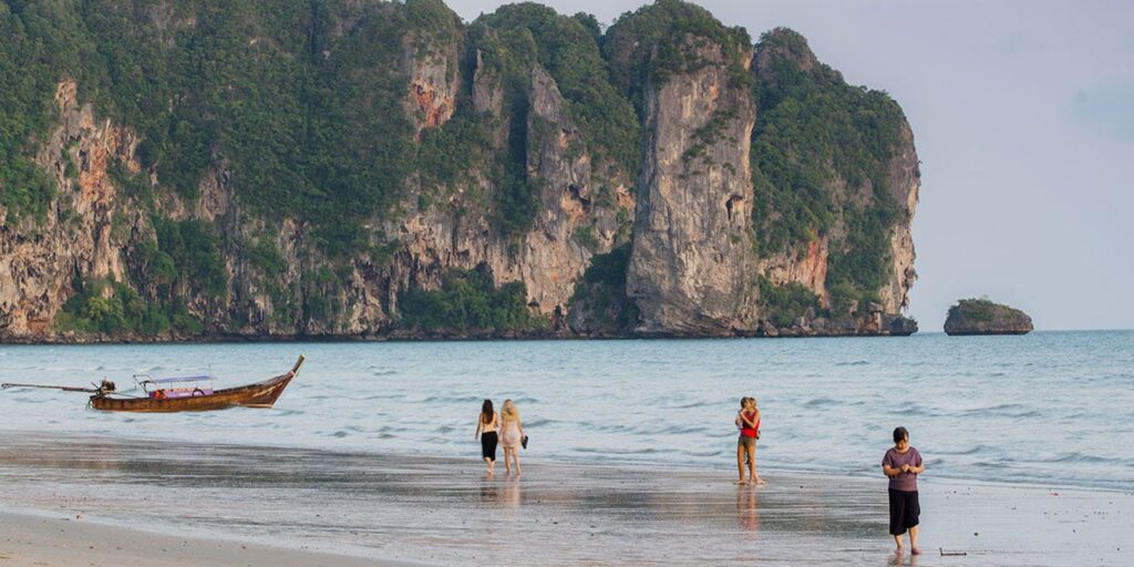 krabi attractions, thale waek (separated sea), koh poda, phi phi island, ao nang, railay bay krabi attractions Krabi attractions are must-see and worthwhile Ao Nang 07 1024x512