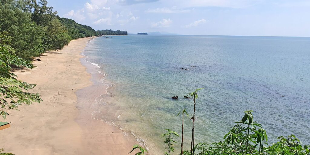krabi attractions, thale waek (separated sea), koh poda, phi phi island, ao nang, railay bay krabi attractions Krabi attractions are must-see and worthwhile Koh Jum 11 1024x512