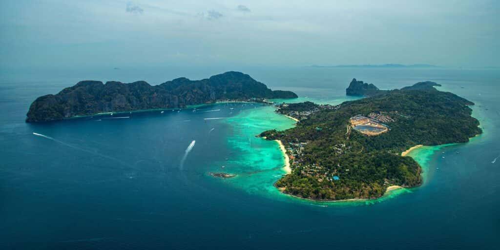krabi attractions, thale waek (separated sea), koh poda, phi phi island, ao nang, railay bay krabi attractions Krabi attractions are must-see and worthwhile Phi Phi Island 03 1024x512
