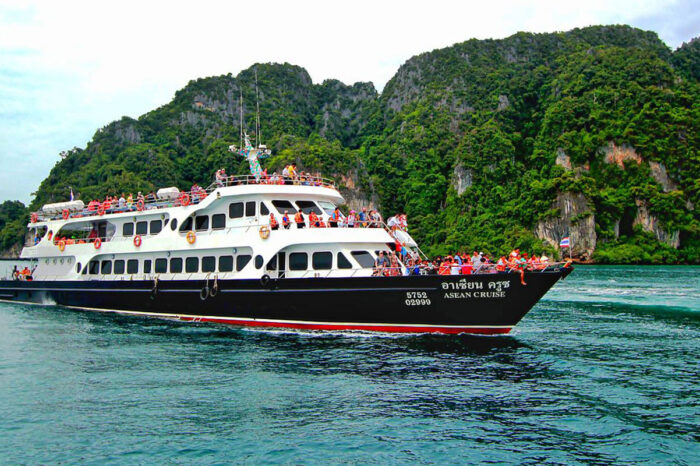Phi Phi Island Snorkeling Tour From Phuket By Big Boat