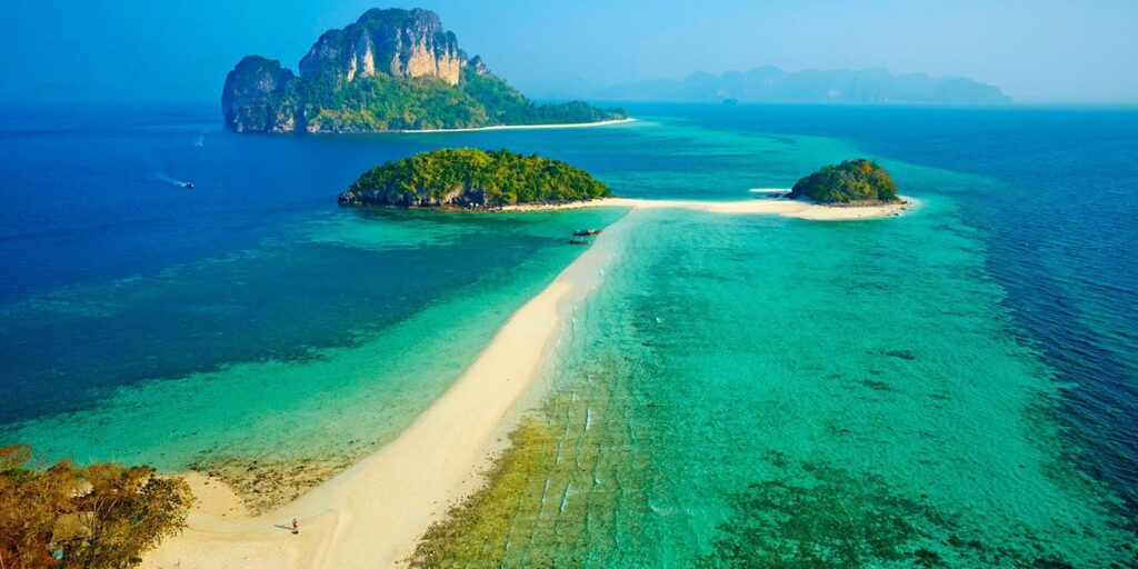 krabi attractions, thale waek (separated sea), koh poda, phi phi island, ao nang, railay bay krabi attractions Krabi attractions are must-see and worthwhile Thale Waek Separated Sea 01 1024x512