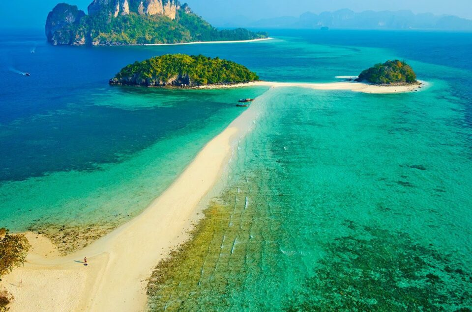 Thale Waek (Separated Sea) Krabi, a wonderful tourist attraction