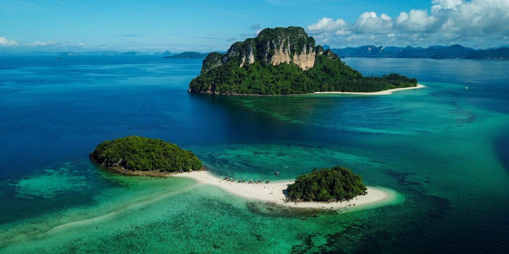 thale waek, thale waek (separated sea), separated sea, krabi, tourist attraction thale waek Thale Waek (Separated Sea) Krabi, a wonderful tourist attraction Tub Island Koh Mor Island 1024x512
