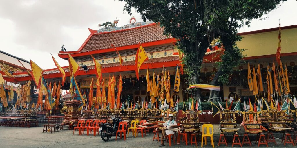 the famous places in phuket the famous places in phuket The famous places in Phuket must visit and should come to travel once Bang Neow Shrine 1024x512