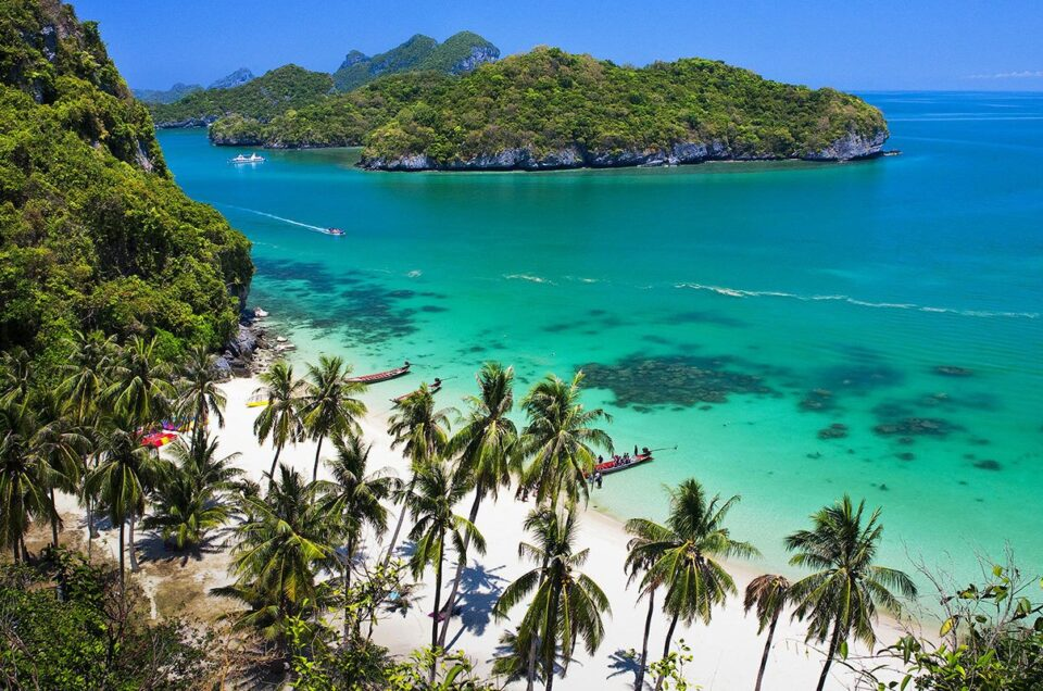 Travel at Koh Samui, satiate with light, colorful, and nature