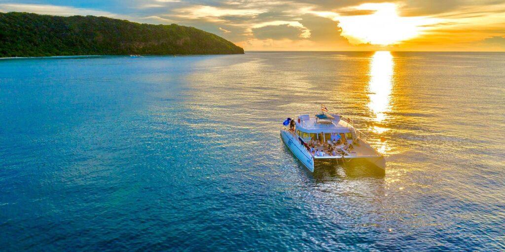 yacht sunset cruise dinner, dinner tour, koh samui yacht sunset cruise dinner Luxury Yacht Sunset Cruise Dinner Tour From Koh Samui Luxury Yacht Sunset Cruise Dinner Tour From Koh Samui 1024x512