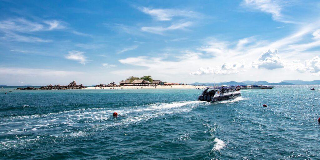 khai nok island, khai nui island, catamaran yacht, phuket khai nok island Khai Nok Island & Khai Nui Island Tour By Catamaran Yacht From Phuket Khai Nok Island Khai Nui Island Tour By Catamaran Yacht From Phuket 1024x512